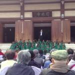 東儀秀樹さんと菩提樹学園園児による「ふるさと」合唱
